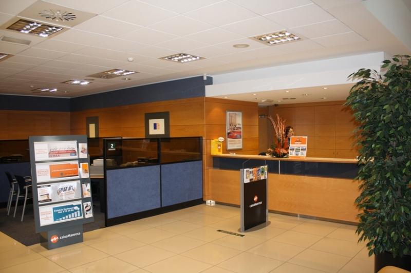 Projecte caixa manresa oficina bonavista manresa for Caixa penedes oficinas