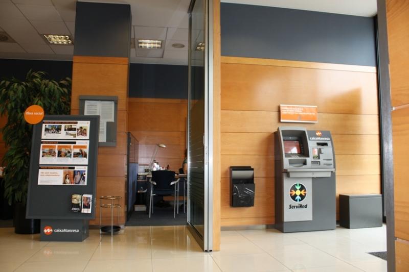 Proyecto caixa manresa oficina plaa bages manresa for Caixa penedes oficinas